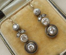 Austro-Hungarian long drop Earrings set with 2,00 ct Diamonds! Mostly VS-SI.