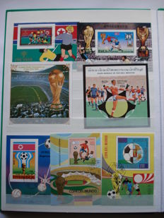 Thematic - Football +- 1500 stamps and 110 sheets in 4 stockbooks