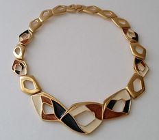 Amazing Vintage TRIFARI Gold Plated Enamel Flat Bid Necklace