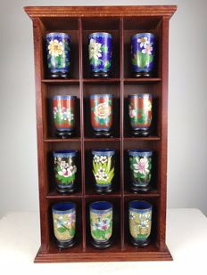 Set of 12 cloisonné cups and wooden display cabinet - China - ca. 1980