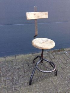 Industrial working chair/stool
