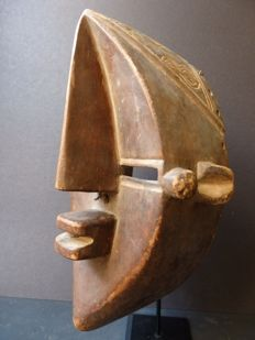 African facial mask in wood - LWALWA - D.R. Congo
