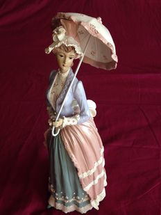 Vintage Lady in porcelain all handcrafted