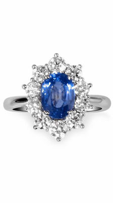 Cocktail ring with 0.82 ct sapphire and 0.88 ct diamonds (Colour: G, Clarity: VVS) – Ring size: 14 mm