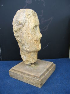 Limestone head - Italy - 17th/18th century