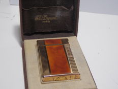 Lacquer gold laminated Dupont lighter Windsor model