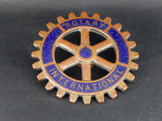 Vintage Early Enamel and Brass Rotary International Club Car Badge with rear fixing screw and nut