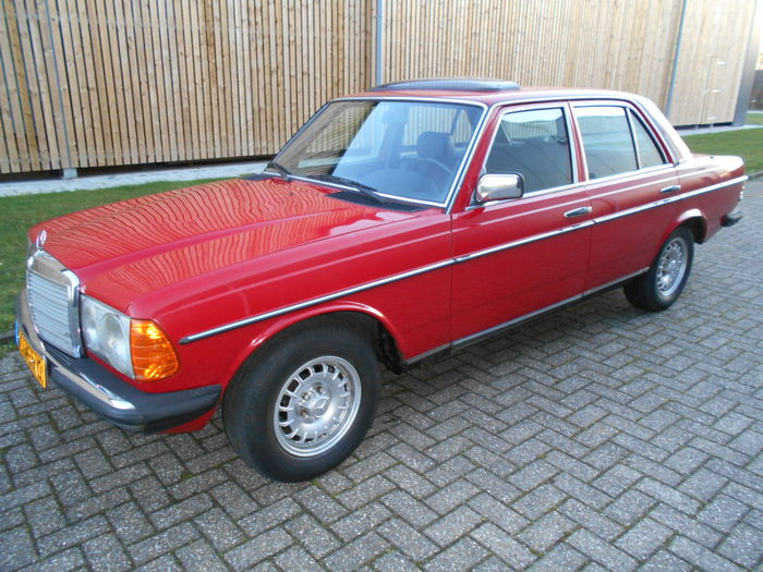 Mercedes benz 230e w123 1982 catawiki for Mercedes benz 230e