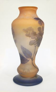 Emile Gallé - Cameo glass vase with flowers, Glass