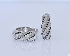 1 Ct black and white Diamonds earrings - No reserve price!