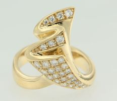 18 kt yellow gold ring set with 31 brilliant cut diamonds, approx. 0.76 ct in total, Top Wesselton VS