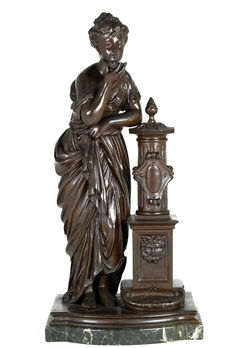 After James Pradier (1790-1852) - bronze sculpture of a young lady at a spring - France - end of 19th century
