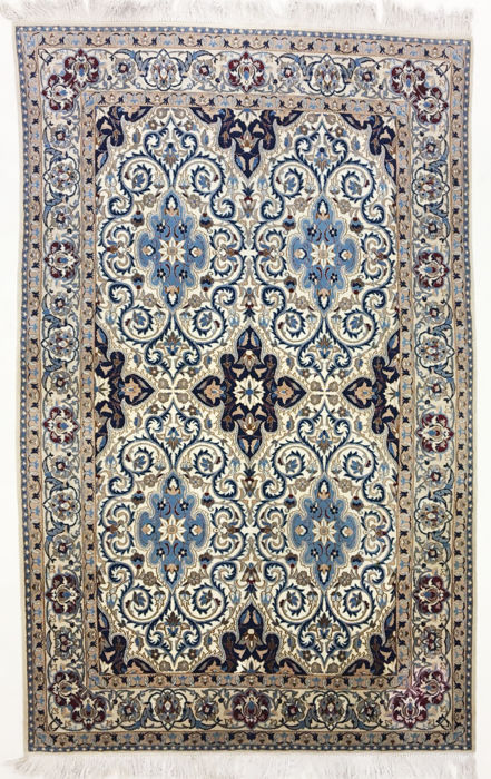 Persian carpet, magnificent Nain with silk, 280 x 177 cm.