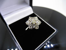 18k Gold Diamond Cluster Ring - 2.10ct - size 52