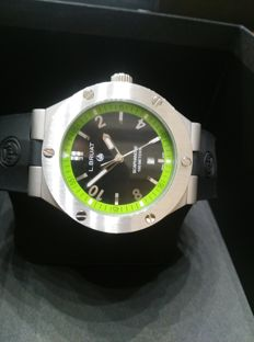 L. Bruat LB45 Scaphandre, 10 ATM water resistant. For men.