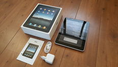Apple iPad 1, 64GB with 3G! in Original box with brand new charger, etc.