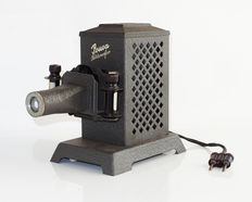 POUVA Bildwerfer slide projector, masks and carrying case, working lamp, 1938