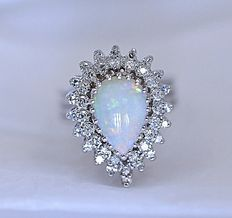 Australian Opal and Diamonds ring - No reserve price!