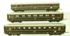 Märklin H0 - 43201/43211/43221 - 4ax. passenger carriages of DRG, with inetrior lights + conducting coupling tubes