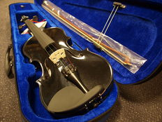 New black practice violin 4/4 (adult size). including case, bow and rosin