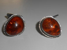 Cuff links with amber in 925 silver