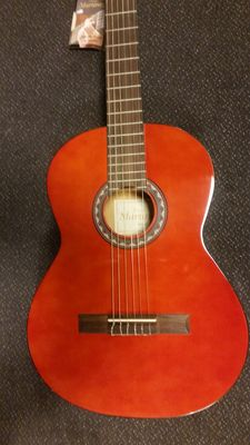New Martinez classic guitar 4/4 with bag, strap and tuner