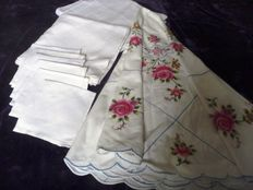 Three high-quality linen tablecloths, fine handiwork, one tablecloth includes 6 napkins, early 20th century