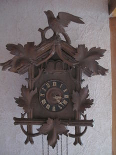 Large and very old Black Forest cuckoo from the 1800s - Complete, but needs to be refurbished