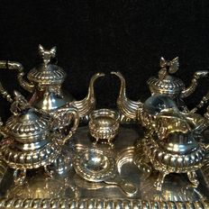 Seven piece coffee set in Spanish silver with acorn decorations - Spain - c. 1890