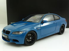 Kyosho - Scale 1/18 - BMW M3 Coupe (e92) - Blue/carbon