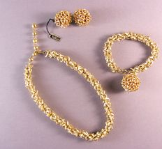 Vintage 1950s - Crown Trifari – Alfred Philippe - Gold Plated Full Parure = Necklace + Bracelet + Earrings