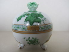 Herend Porcelain - Round covered box, Green Chinese bouquet.