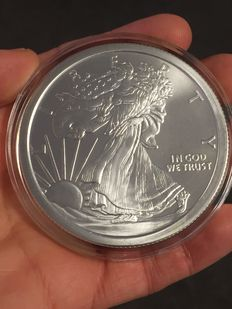 "USA - Medaille "" Golden State Mint / Walking Liberty Lady Silver Eagle - 5 oz 999 Silver."