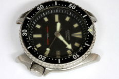 Seiko Diver's 7002-700A – men's wristwatch - February 1992