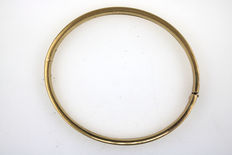 Antique bangle, 333 / 8 kt yellow gold
