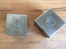 Two heavy factory stamps for making Renault key chains - approx. 1950-France