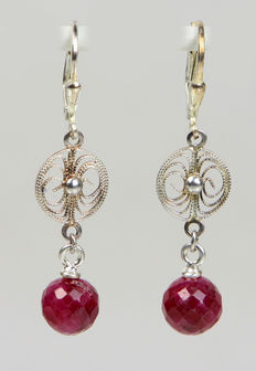 Ruby earrings made of 925 silver