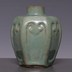 Beautiful stoneware ginger jar / vase with green glazing – China – around 1900-1920