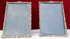 Original pair of finely crafted photo frames in 800 silver Italy, 1840-1860 - marked.