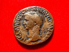 Roman Empire - Claudius I (41 - 54 A.D.) bronze as (9,94 g. 28 mm.) minted in Rome between 41-50 A.D. CONSTANTIAE AVGVSTI.