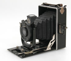 PRIMA bellows camera from 1930