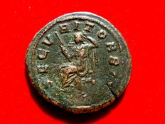 Roman empire - Philip I (244-249 A.D.) bronze sestertius ( 21,73 g, 32 mm), Rome mint. 244 A.D. SECVRIT ORBIS. Securitas.