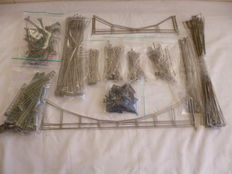 Märklin H0 - 228-piece lot of overhead line masts and wire section