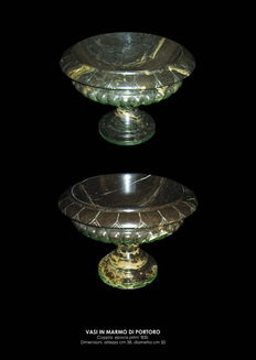 A pair of Portoro marble scalloped vases - Italy, 1st half of the 19th C