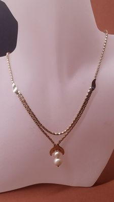14kt yellow gold Ladies necklace  with two pearls