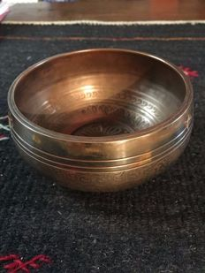 Tibetan bowl with its mallet - Nepal - Late 20th century