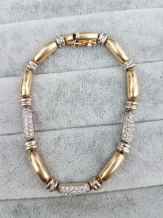 1980s gold bracelet with diamonds. Made in Italy. Length: 18.5 cm