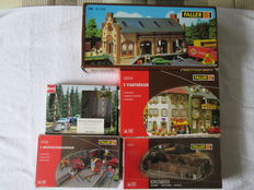 Faller/Busch H0 130414/B-150/120254/120136/6021 - 2 city houses, freight shed, coal storage, 2 inspection pits and crossing