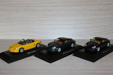 Minichamps - Scale 1/43 - Lot with 3 models: Porsche 911 Carrera 4, Porsche 911 Carrera & Porsche Boxster