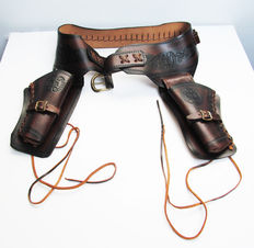 Vintage Leather Cowboy Western cartridge and gun belt, gun slinger with holster